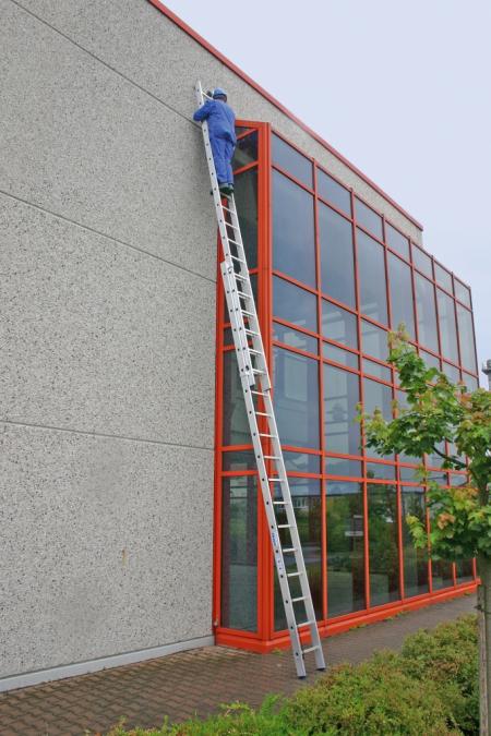 KRAUSE Двухсекционная выдвижная лестница с тросом 2Х18 ступ. (арт. 133878)