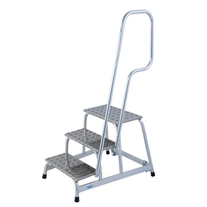 Подставка алюминиевая передвижная с поручнем 3 ступ.