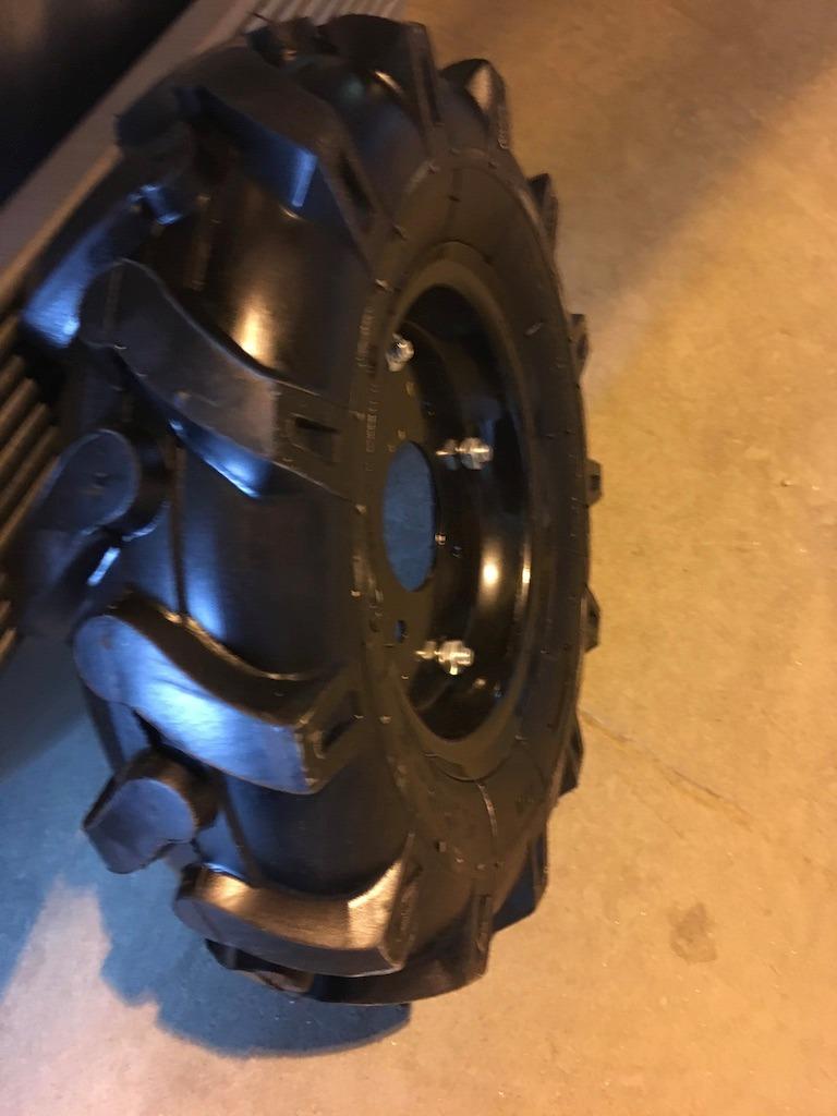 Пневматическое колесо для мотоблока 4.00-8 ( d 400)