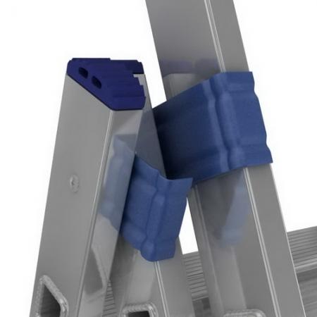 Алюминиевая трехсекционная лестница-стремянка 3Х7 ступ.