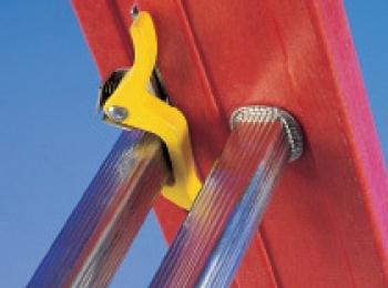 Диэлектрическая трехсекционная лестница из стеклопластика Svelt V3X8
