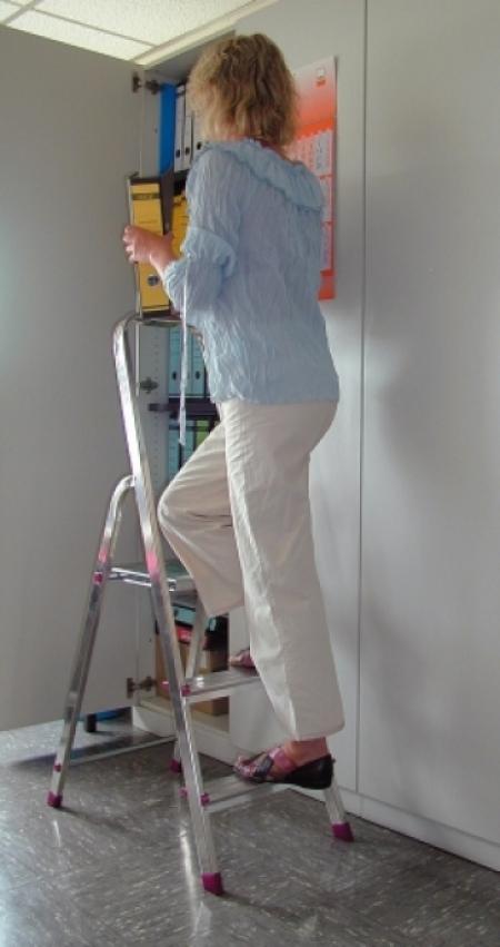 KRAUSE Corda Cвободностоящая бытовая стремянка 5 ступ.(арт. 000729)
