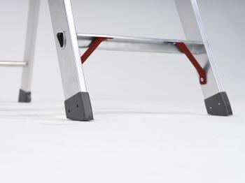 Свободностоящая стремянка Altrex Sierra 3 ступ .
